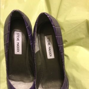 Steve Madden stiletto purple chrome look heels.New